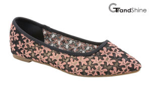 Women′s Lace Causal Flat Ballet Shoes pictures & photos