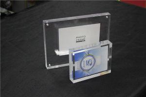 A6, A5, A4, A4, Countertop Free Standing Acrylic Picuture Frame, Acrylic Photo Frame pictures & photos