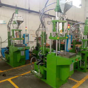 High Quality Vertical Plastic Molding Injection Machines pictures & photos