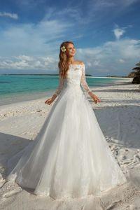 Lace Neckline Wedding Dress Appliqued Beach Garden Bridal Gown W15249 pictures & photos