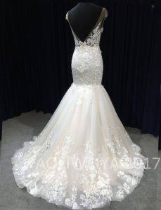 2017 Top Trend Queen Real Sample Wedding Dress pictures & photos