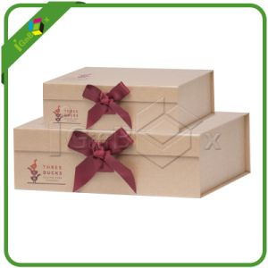 Custom Printed Baby Paper Gift Box with Ribbon pictures & photos