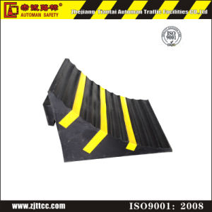 Easy Carry Rubber Wheel Chocks (CC-D27) pictures & photos