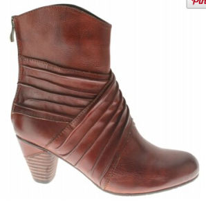 2015 Women′s Essential Leather Ankle Boots pictures & photos