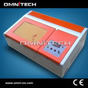 Small Size Jewelry CNC Laser Engraving Machine with SGS pictures & photos