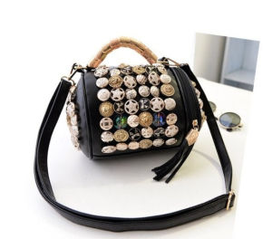 Young Girls Handbag PU Leather Ladies Handbag with Metal Decoration pictures & photos