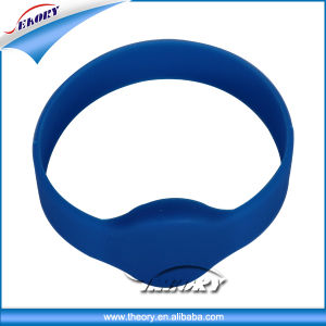 Silicone 125kHz RFID Wristband for Concert pictures & photos