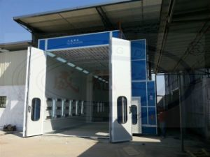 Truck and Bus Auto Painting Booth with Middle Door Wld15000 pictures & photos