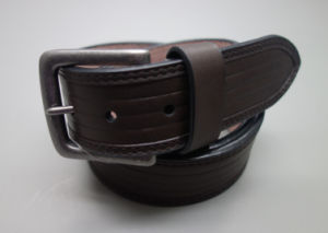 New Fashion Vintage Style Men′s Leather Belt (EUBL1413-40) pictures & photos