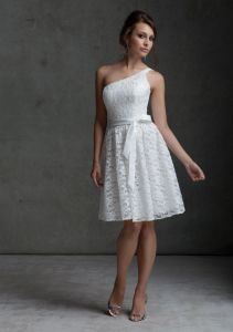 White Lace One Shoulder Short Bridesmaid Fashion Dresses (FD3006) pictures & photos