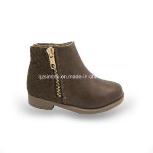 2017 Children Casual Boots with Zipper Outside pictures & photos