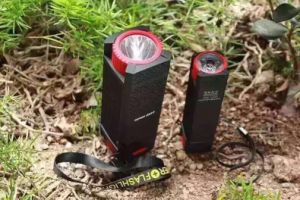Outdoor Adventure Big LED Lights Mobile Power Bank 2600 mAh pictures & photos
