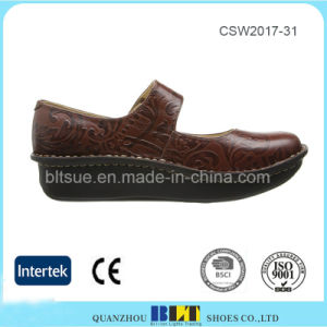Wholesale Hand Made China Casual Clogs Women Shoes pictures & photos