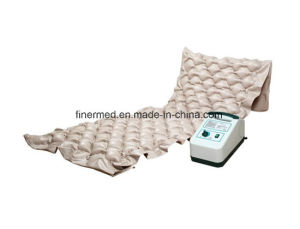 Anti Bedsore Alternating Medical Air Bubble Mattress pictures & photos