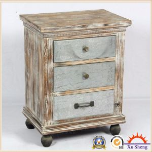 Silver Metal and Wood Antique Chest with Natual Wood Trim pictures & photos