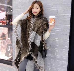 2016 Fashion Ethnic Style Cashmere Warm Fringed Plaid Shawl (50186) pictures & photos