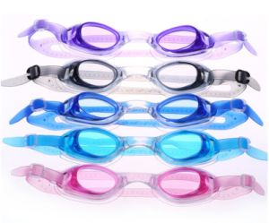 New Anti Fog UV Protection Swimming Goggles for Kids pictures & photos