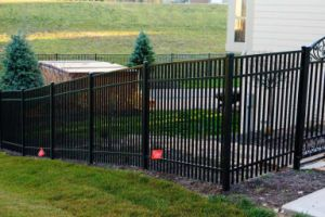Flat-Top Anti-Rust Black Galvanized Steel Garden Fence with SGS Certificate pictures & photos
