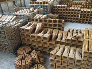 Ex70 Alloy Steel Casting Bucket Teeth for E307 Excavator pictures & photos