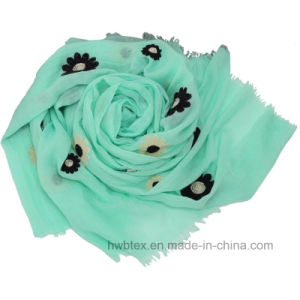 Fashion High Quality Sunflower Embroidery Cotton Lady Scarf (HWBC037) pictures & photos