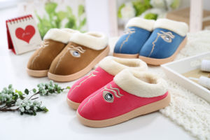 Lady′s Home Slipper Injection Sole Warm Slippers pictures & photos