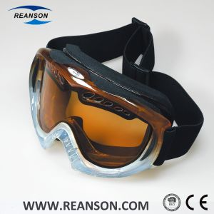 Unisex Helmet Compatible Sport Goggles pictures & photos