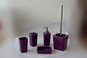 Acrylic/Plastic Bathroom Accessories Set (TS8007-5) pictures & photos