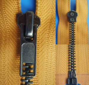 Anti Nickel Auto Lock Open End Zipper pictures & photos