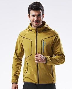 OEM Service Outdoor Mens Hooded Winter Softshell Jacket pictures & photos