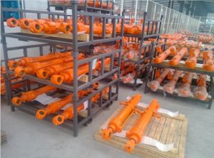 OEM Parts Dh55 Doosan Excavator Boom Cylinder / Hydraulic Cylinder Manufacturers pictures & photos