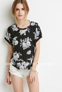 Summer New Short-Sleeved Round Neckline Boxy Flower Printing T-Shirt pictures & photos