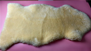 Soft Baby Blanket One Single Sheepskin Pelt pictures & photos