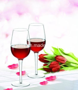 Hot Sale Handmade White Colored Wine Glass/Goblets pictures & photos