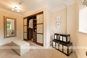 Ritz Furniture, Bedroom Small Wooden Wardrobe pictures & photos