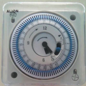 2017 New Developed Analogue Time Switch with Pointer (AHC712) pictures & photos