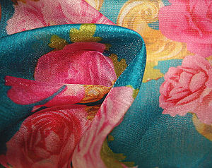 Print Cotton Blister Crepe Organza Fabric pictures & photos