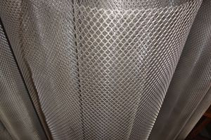 China Supplier of Expanded Metal Mesh Panels or Rolls pictures & photos
