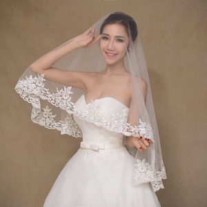 Simple Design One Layer Ivory Wedding Veil pictures & photos