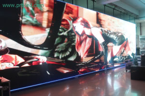 High Brightness SMD Outdoor Rental LED Screen of Pitch 5mm (640X640mm board) pictures & photos