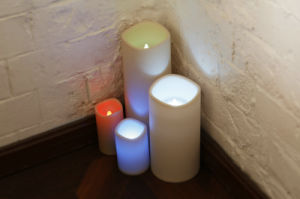 Unscented Safe Indoor LED Candle- Sound Control pictures & photos