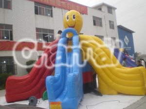 Multi Slide Lanes Inflatable Happy Face Dry Slide Chsl126 pictures & photos
