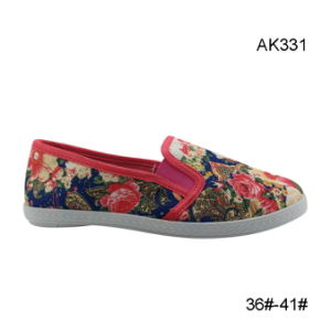 Injection Canvas Sports Shoes Women Fashion Casual Boots (AK331) pictures & photos