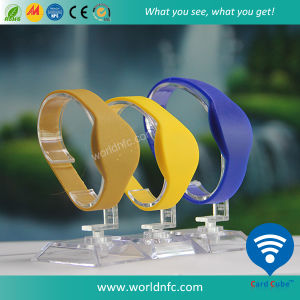 RFID Wristband Mf 1k S50 RFID Silicone Wristband with Ellipse Header pictures & photos
