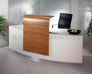 New Fashion Design Elegant Wooden Desktop Office Front Desk (SZ-RT052) pictures & photos