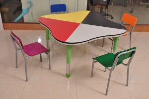 Children Study Desk and Chair Set (SF-39C) pictures & photos