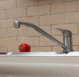 AISI Customize Commercial Mixer Kitchen Faucet (AB103) pictures & photos