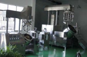 Automatic Vacuum Emusifying Mixer & Homogenizer pictures & photos