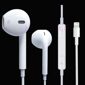 for iPhone7 Earphone/ Earpod 8 Pin Lighting with Volume and Control pictures & photos