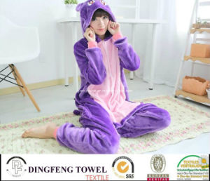 Ladies & Kid Coral Fleece Cartoon Penguin Hooded Bath Robe pictures & photos