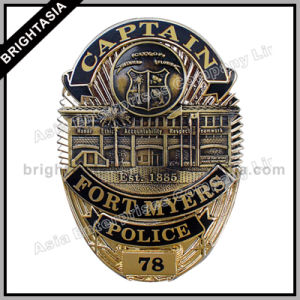 Professional Us Captain Metal Police Badge for Army (BYH-10059) pictures & photos